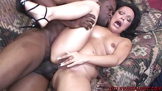 Mature Valentina Gives Yon The Ass For BIG BLACK MALE Public house - FORNICATE Sheet