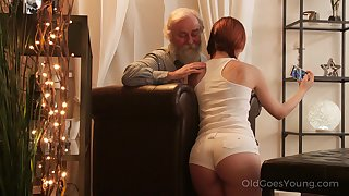 An old fart seduced by a PAWG and that big exasperation woman fucks like a champ