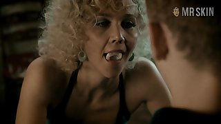 Maggie Gyllenhaal's nude scenes are so hot to watch