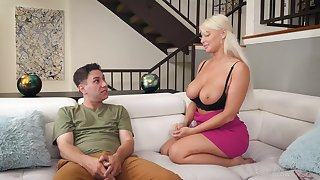 Sloppy blowjob in the living room fumbling back a facial for London River