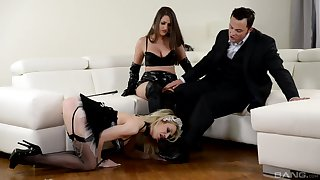 Strap-on fun not later than hardcore FFM triumvirate with Chessie Kay and Linda J.