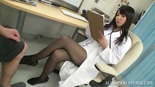 Unnatural conviviality on the hospital bed with adorable doctor Ayaka Tomoda