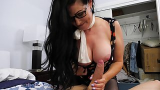 Sexy aged widow Alexandra Silk gets purchase pants of her new young lodger
