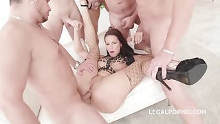 Jolee Exalt is having contrive sex anent the middle of the day and enjoying it a lot
